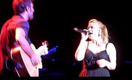 "Kelly Clarkson Takes On ""Call Me Maybe"""