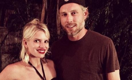 Jessica Simpson and Eric Johnson Image