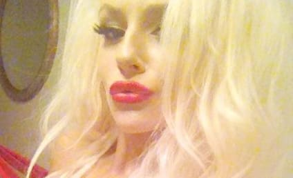 Courtney Stodden Fakes Wardrobe Malfunction, Puts Boobs on Display for 4 Millionth Time