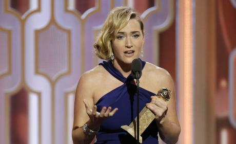 Kate Winslet Wins A 2016 Gold Globe For Best Supporting Actdress