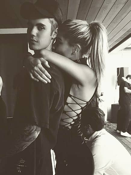 Justin Bieber and Hailey Baldwin Get Cozy