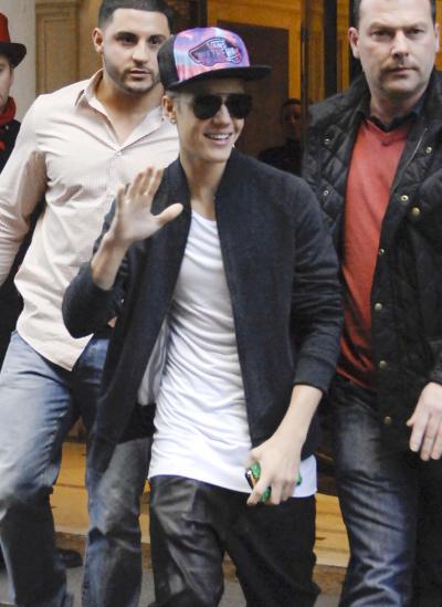 Justin Bieber Waves in Spain