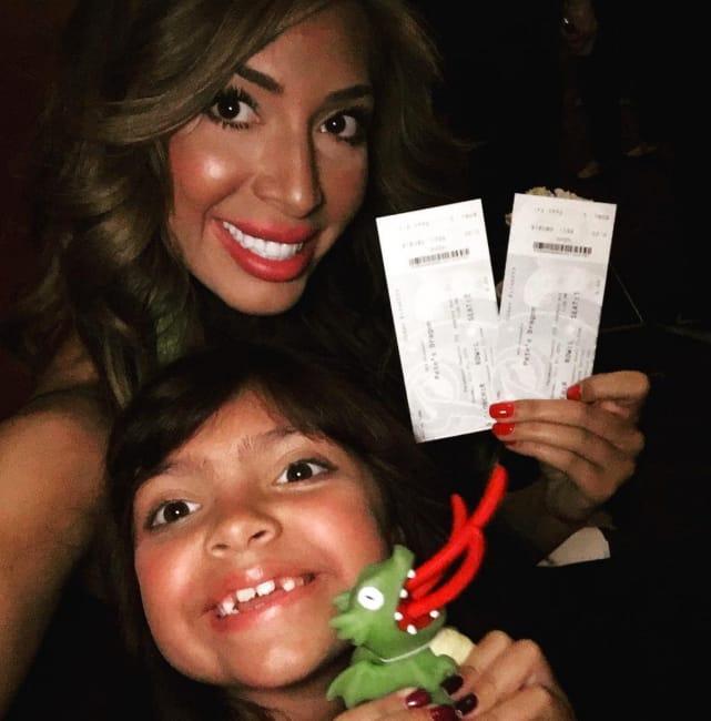Farrah abraham sophia abraham petes dragon tickets pic