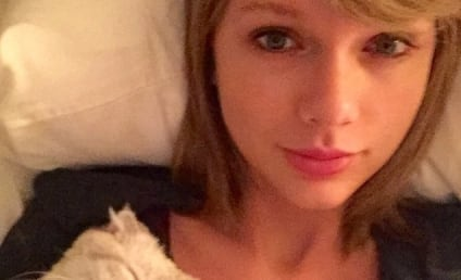 Taylor Swift Posts No Makeup Selfie With Cat (Of Course), Remains Flawless