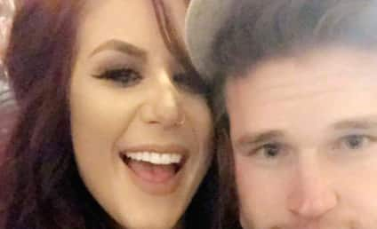 Chelsea Houska: See Photos from Her ADORABLE Baby Shower!