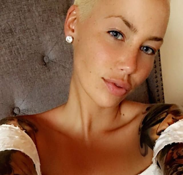Amber Rose: Selfie Time!