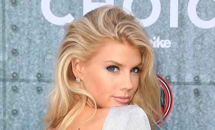 Charlotte McKinney: Naked in GIF Form For GQ!