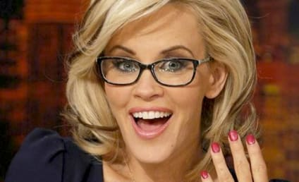 Jenny McCarthy Engagement Ring: Not Small!