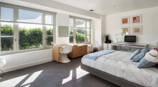 Kendall Jenner Bedroom Photo