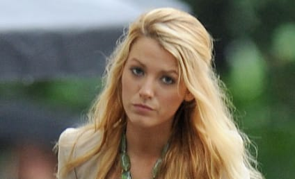 Blake Lively Swimsuit Pics: Pretty Sexy