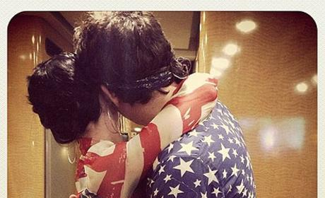 Katy Perry and John Mayer Embrace