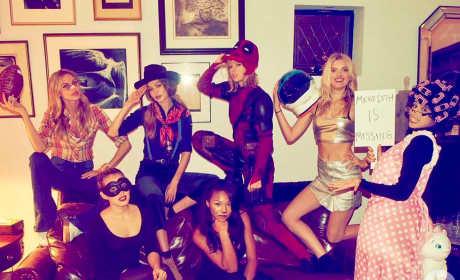 Taylor Swift as Deadpool