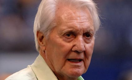 Pat Summerall Dies; NFL Star, Broadcaster Was 82