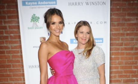 Jessica Alba And Drew Barrymore Looking Great