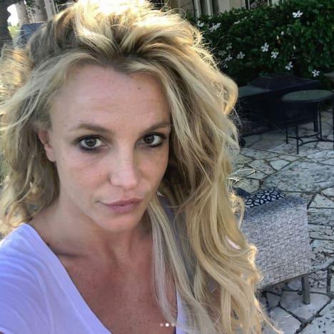 Britney Spears, Natural Selfie