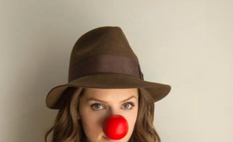 Anna Kendrick Red Nose Photo