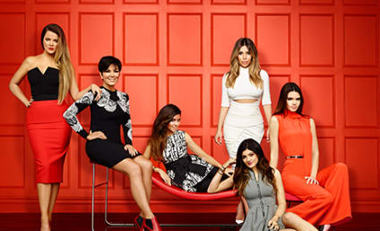 Keeping Up with the Kardashians Promo Pic: Hey, Ladies!