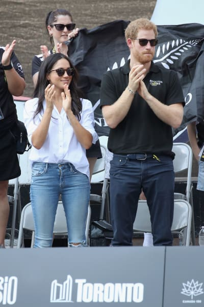 Harry and Meghan Applaud