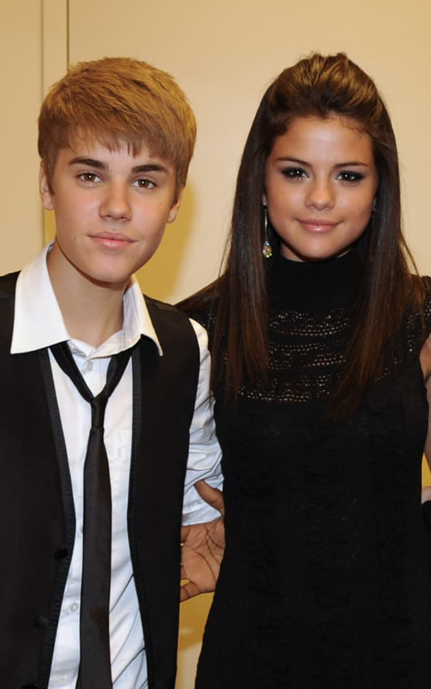 How old was selena gomez and justin bieber when they started hookup
