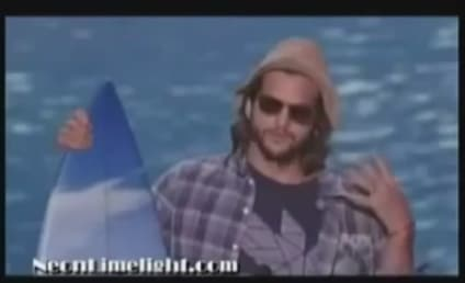 Ashton Kutcher Offers Credit Card Debt Advice, Covers Katy Perry at Teen Choice Awards