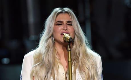 Kesha Performs, 2018 Grammy's