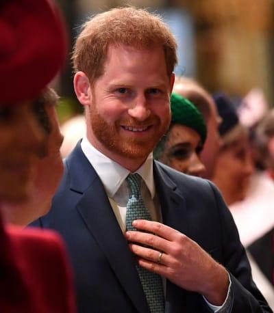 El príncipe Harry dice hola