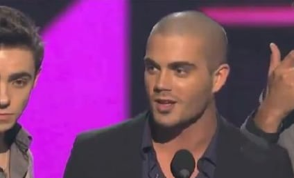 "The Wanted Wins, Breaks Into ""Afternoon Delight"" at PCAs"