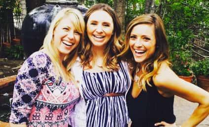 Christine Lakin, Jodie Sweetin Reunite for Epic #TGIF Selfie!