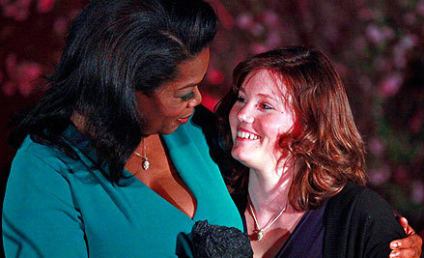 Jaycee Dugard Receives Award From Oprah, Makes First Public Appearance Since Rescue