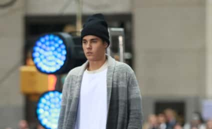 """Justin Bieber Cancels All Thanksgiving Appearances, Cites """"Personal Reasons"""""""