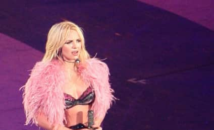 Britney Spears Hits AMAs, Possibly Disses K-Fed