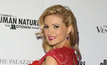 Holly Madison to Eat Placenta After Giving Birth
