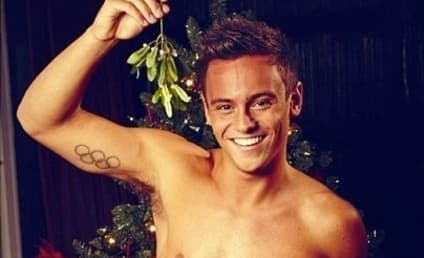 Tom Daley: Shirtless for Christmas!