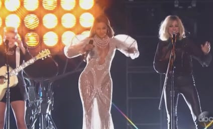 Beyonce Teams with The Dixie Chicks at the CMA Awards: WATCH!