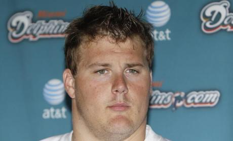 Richie Incognito Smashes Own Ferrari