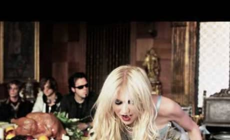 Taylor Momsen and The Pretty Reckless: Miss Nothing