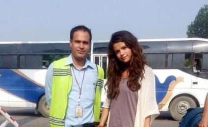 Selena Gomez: No Makeup in Nepal!