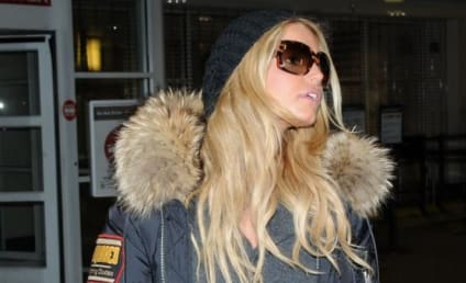 Jessica Simpson Emerges; Further Scrutiny of Body Denied