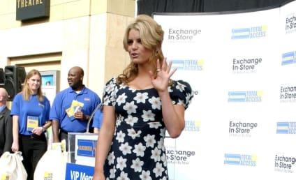 Jessica Simpson Supports Tony Romo, Cleavage