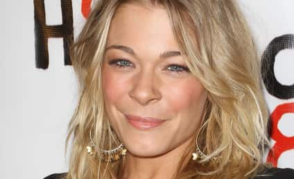 LeAnn Rimes in Treatment For Anxiety, Stress