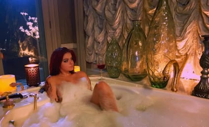 Ariel Winter: Nearly Naked In Bubble Bath, Totally Loves It
