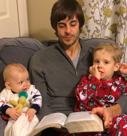 Derick Dillard Reads on Christmas