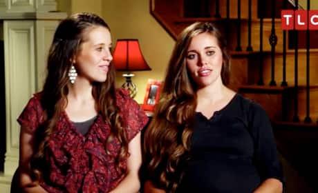 "Jill & Jessa Duggar Compare Pregnancy Bodies in ""Counting On"" Clip"