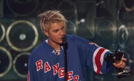 Justin Bieber Likes the Rangers?