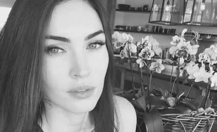 """Megan Fox Reminds Us She's """"Still Here,"""" Shares Sexy Selfie"""