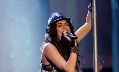 Pole Dancing Miley