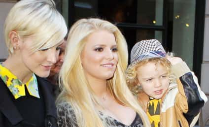 Jessica Simpson Shows Off Girls, Boy