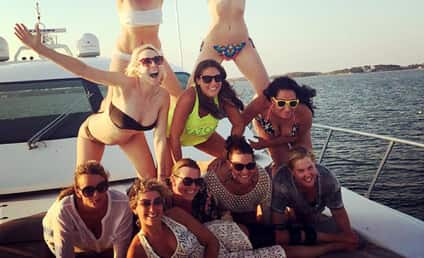 Amy Schumer and Jennifer Lawrence are Actually on Vacation Together