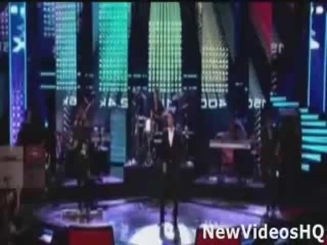 1328c1ea07 Maroon 5 (Ft. Christina Aguilera) - Moves Like Jagger (LIVE) - The  Hollywood Gossip
