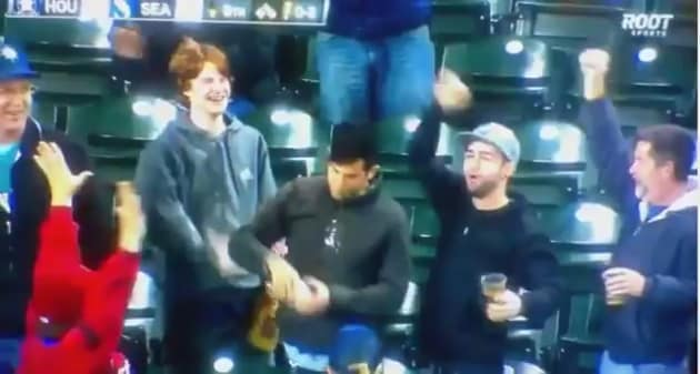 Mariners Fan Catches Foul Ball in Beer, Chugs it Like a ...